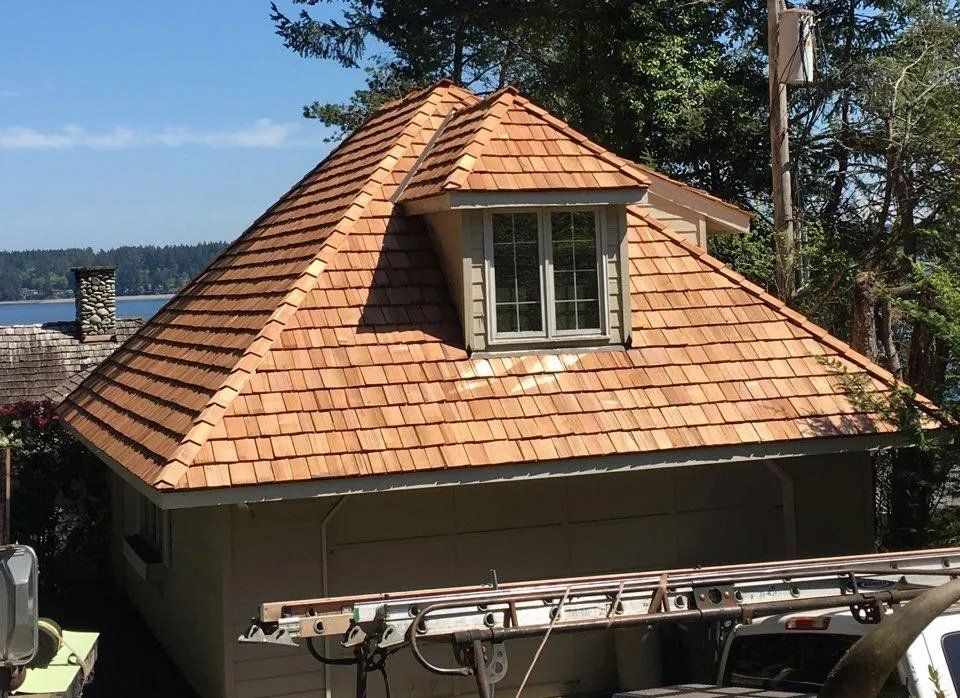 Cedar Shake Roof Installation for House in Kent, WA